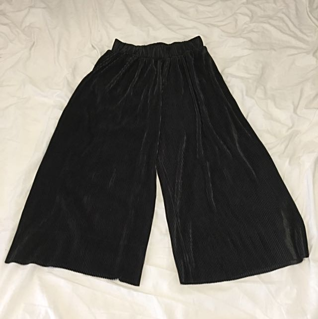 Black Pleated Culottes 10-12