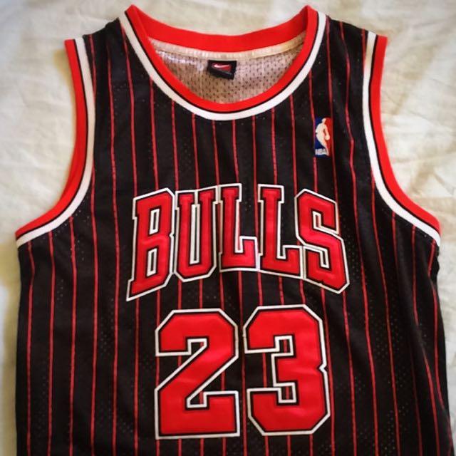 Chicago Bulls Jersey Jordan (23) Size