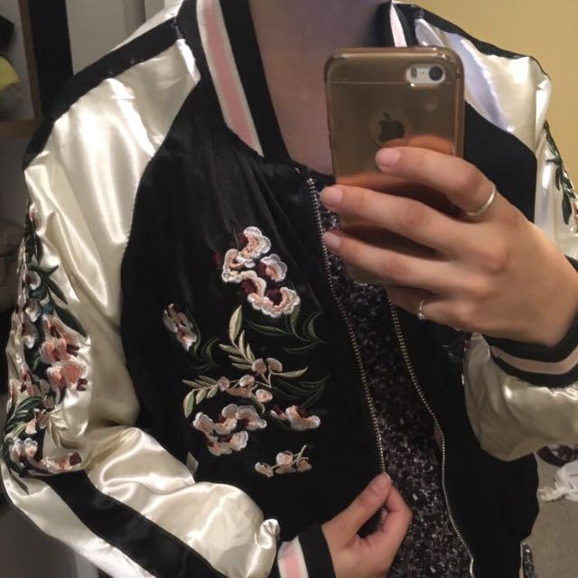 embroidery bomber jacket size m