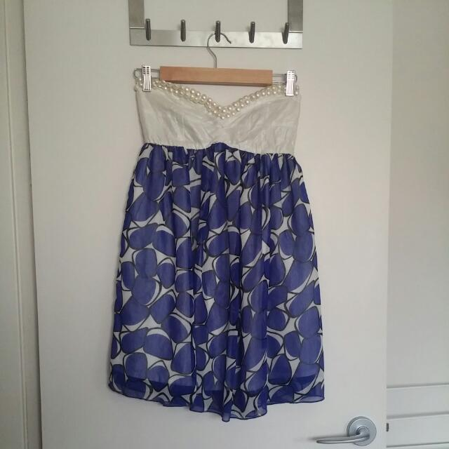 Ladies Size 10 Strapless Dress.