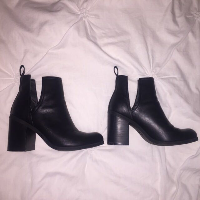 Lipstik Boots, Size 7