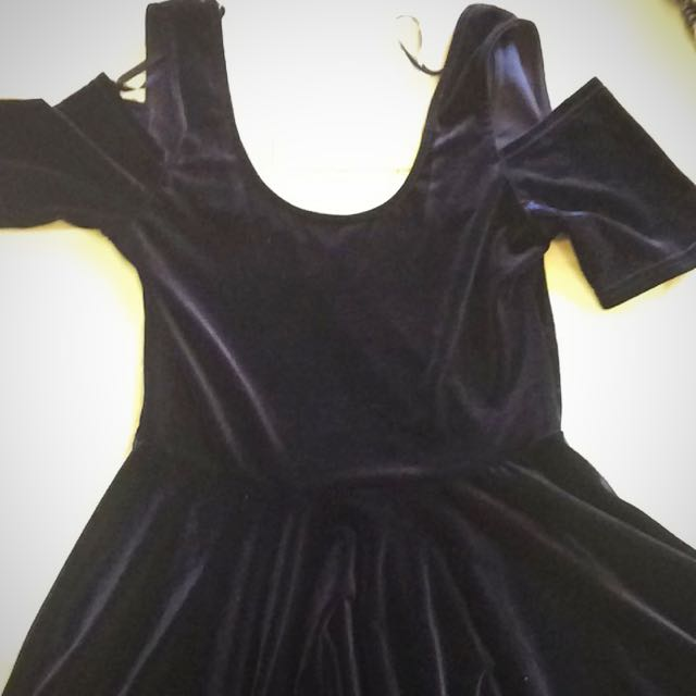Navy Velvet Flare Dress Size Medium BNWT