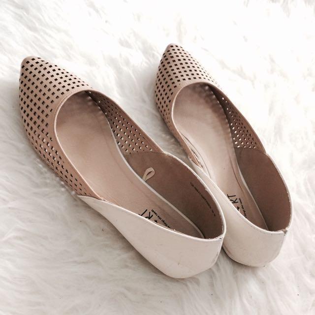 Nude Flatshoes by TLTSN
