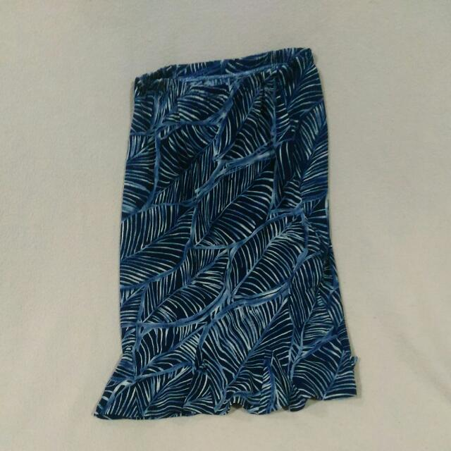 Pre-loved Knee-length Skirt