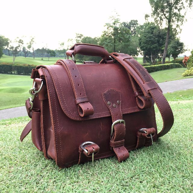 1402aee5b85e Original Saddleback Leather Medium Classic Briefcase in Chestnut ...