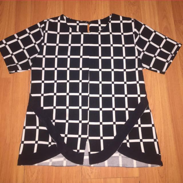 Square Monochrome Top