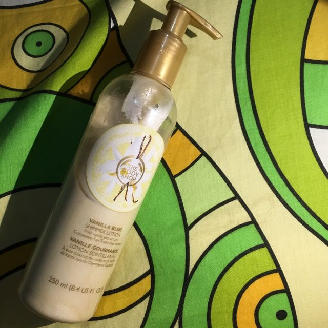 The Body Shop - Vanilla Bliss Shimmer Lotion
