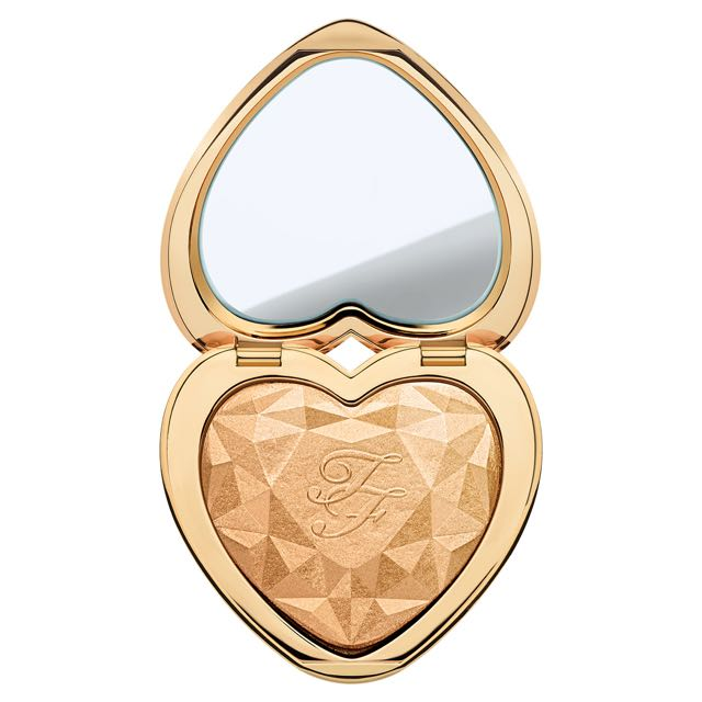 TOO FACED: LOVE LIGHTS PRISMATIC HIGHLIGHTER