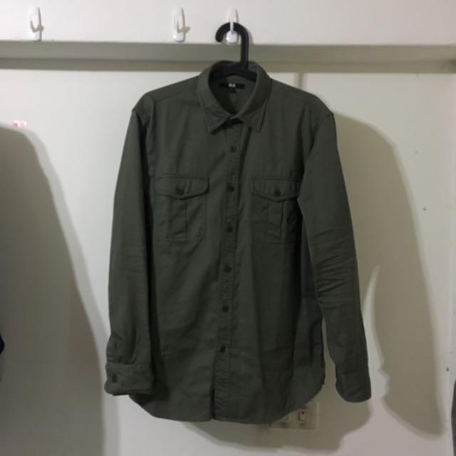 Uniqlo 軍綠色休閒 襯衫 L號 9.5成新以上