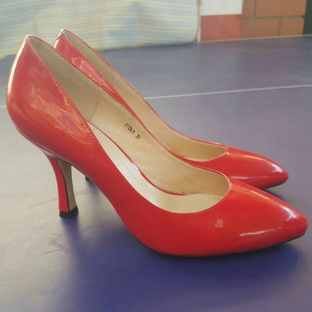 Vido Ferrari Red Stilletos
