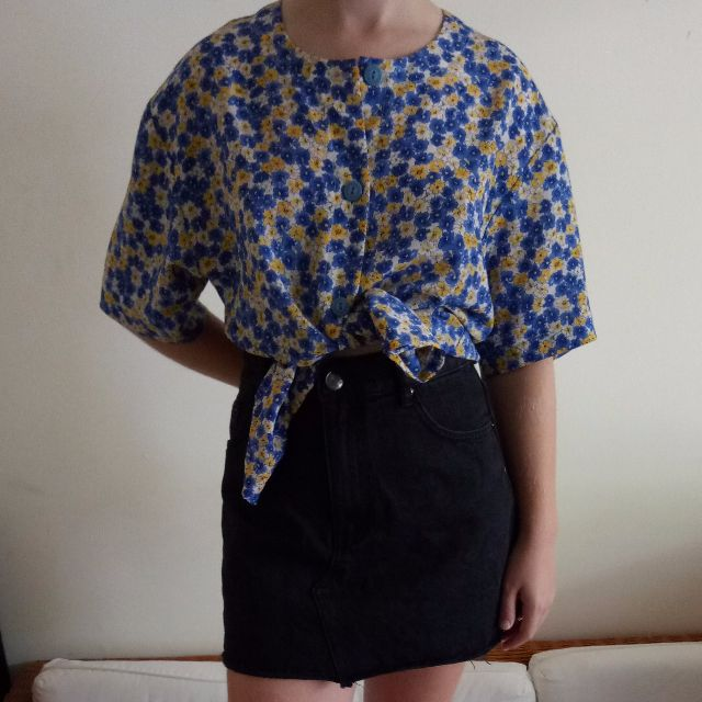 Vintage floral tie up t shirt