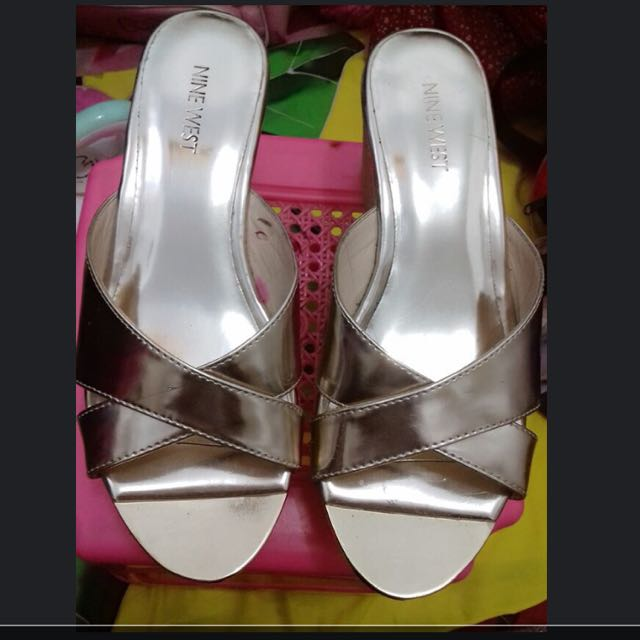 REPRICE WEDGES GOLD NINE WEST AUTHENTIC