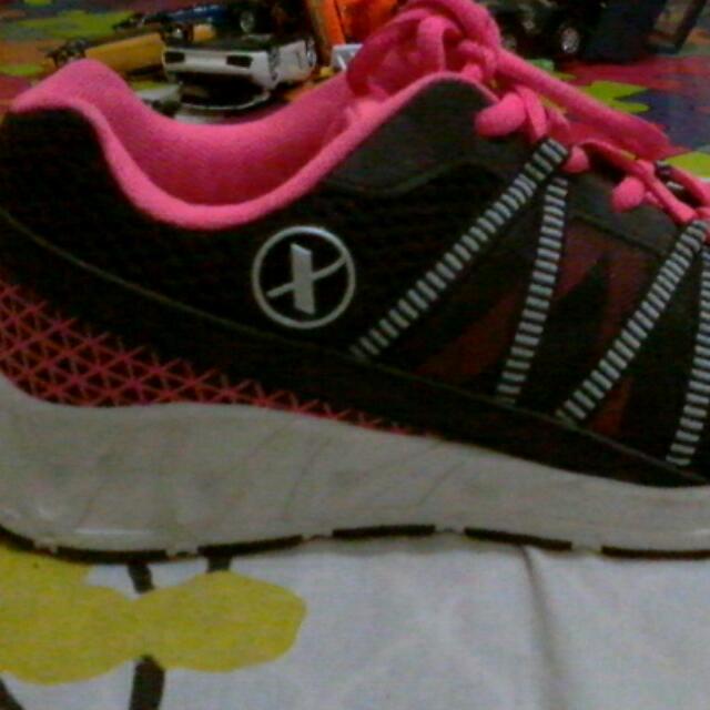 cdb7e9be5fd1a Xersion Women s Running shoes (Black   Pink)