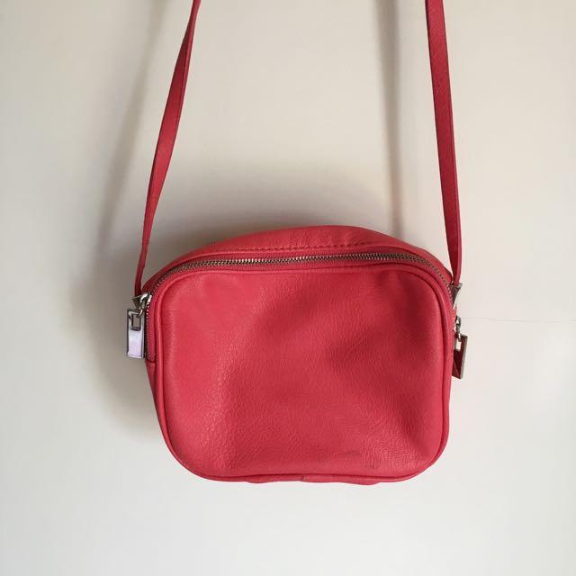 zara 桃紅側背雙拉鍊小包