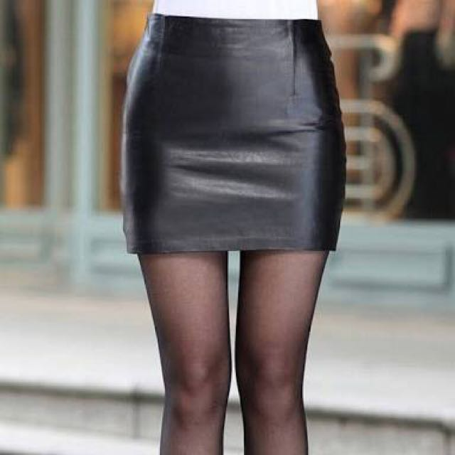 ZARA faux-leather Skirt