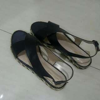 X sandal