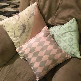 Pillows X3