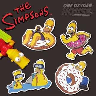 🚚 The Simpsons 辛普森 防水貼紙 家族 荷馬 霸子 辛普森家庭 卡通 4張1套 霧面 貼紙 行李箱貼 安全帽