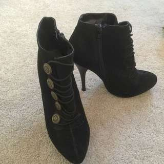 #autumndeclutter Black Buckle Boots With Side Zipper