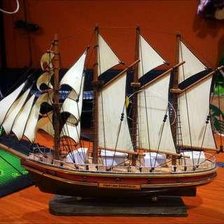 Replika Kapal Layar Esmeralda