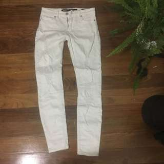 Riders 6 White Denim Jeans