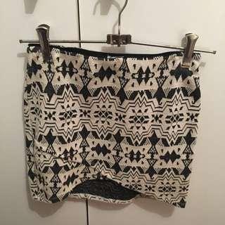 Zara Fitted Pattern Skirt, Size Small