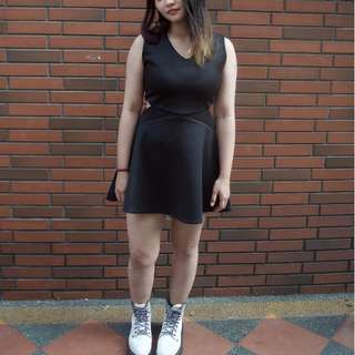 太空棉辣妹黑洋裝