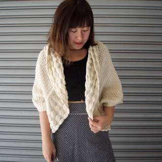 針織短版白色罩衫/外套