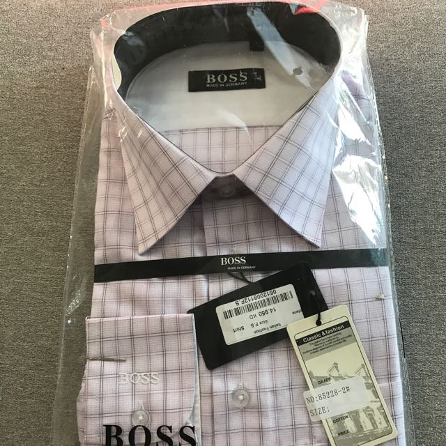 Boss Shirt Size L(41-42)