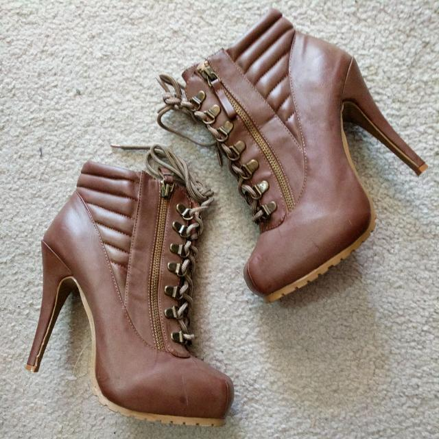Brown Boots Size 39