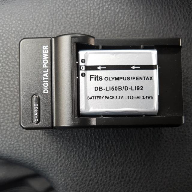 Casio TR60 自拍神器副廠電池充電器一組