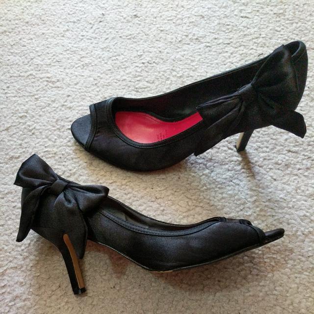 Diana Ferrari Bow Heels
