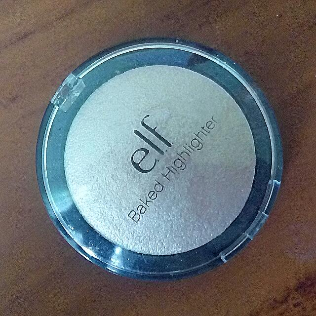 E.L.F Baked Highlighter shade Moonlight Pearls