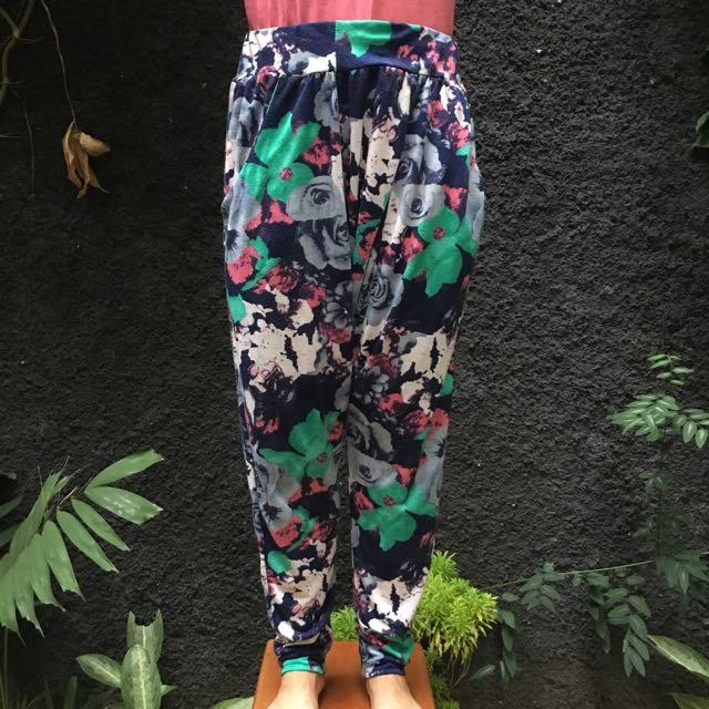 Flower Prints Baggy Pants