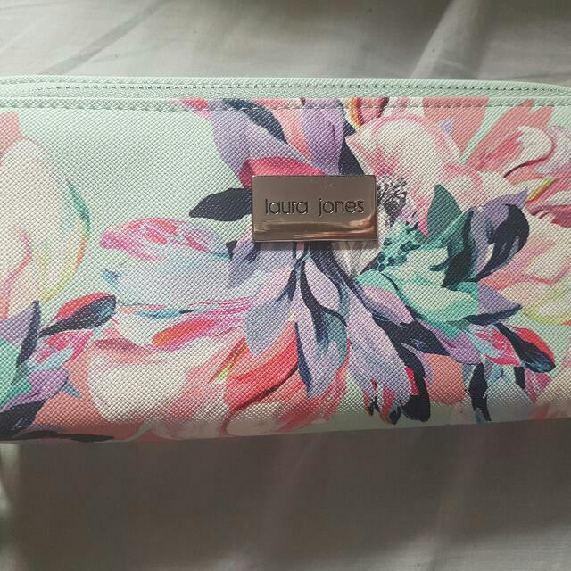 laura jones floral wallet
