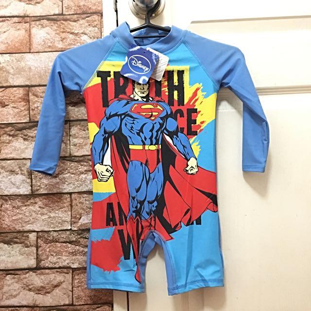 On Hand Superman Rashguard For Kids