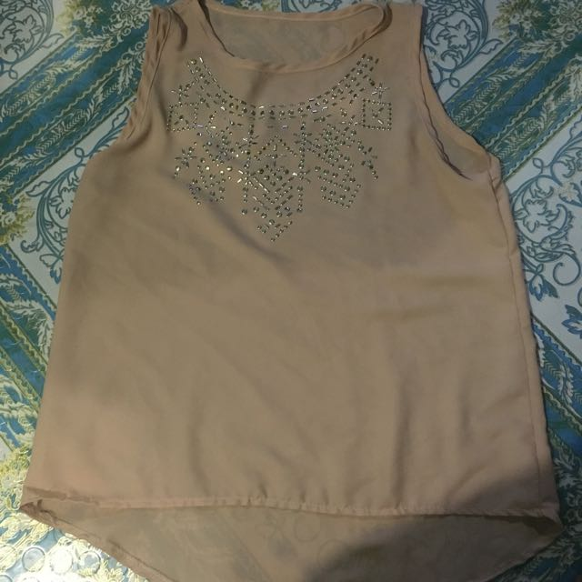 Sleeveless Shirt With Gold Design