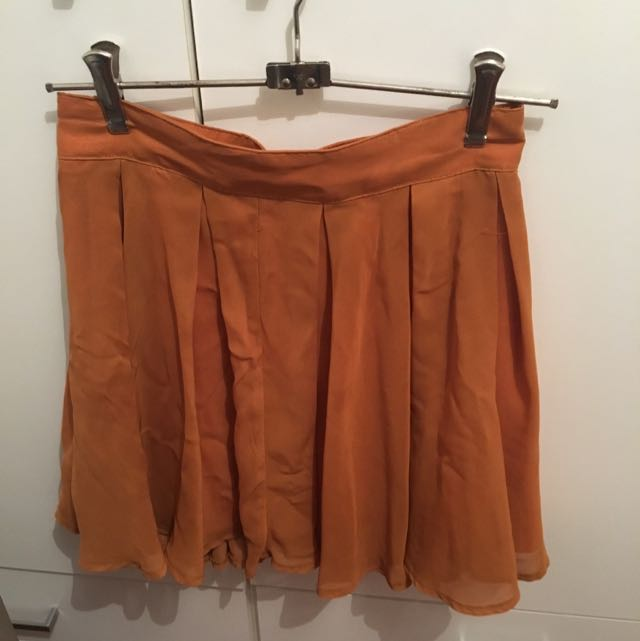 Supre Flowing Caramel Skirt, Size Small