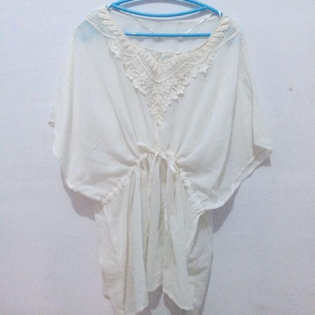 White Blouse Uniqlo