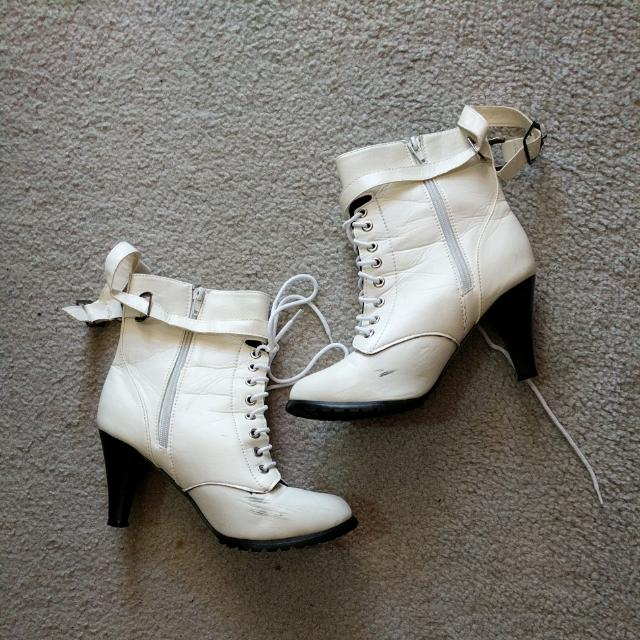 White Boots Size9