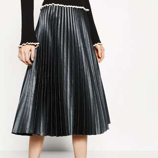 *Reduced* Zara Pleated Green Skirt