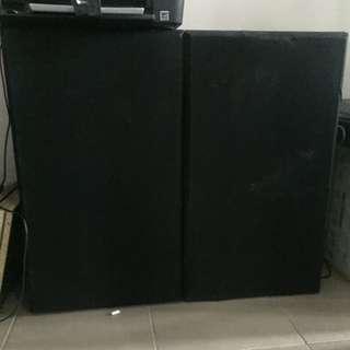 2x Speakers