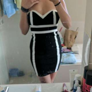 Bettina Liano -size 8 Black And White Stripe Dress