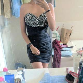 Gasp Size 0(6) Black Jewel Dress