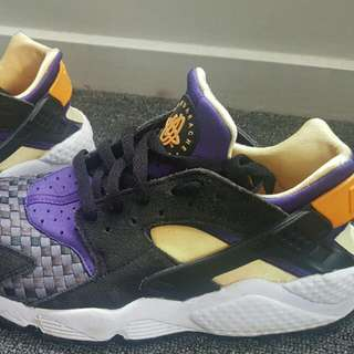 Nike Huarache Womens 7