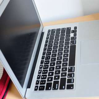 Macbook Air Mid 2012 (13in) core i5 -1.8ghz, 256SSD, 4GBRam
