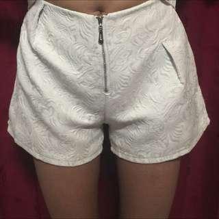 hotpants broken white