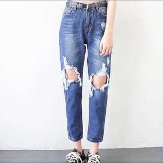 🚚 破洞寬鬆牛仔褲
