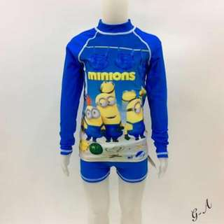 Rashguard Set TERNO For kids  WS/RS: 385 php  Size: 6>5-6yrs old 8>7-8yrs old 10>9-10yrs old 12>11-12yrs old 14>13-14yrs old  ⚠️if chubby kids pls advance one size...  👉HIGH QUALITY❕ 👉SUN PROTECTIVE❕ 👉EXPANDED❕