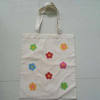 *BRAND NEW* HANDMADE Multi-coloured Flower Tote Bag